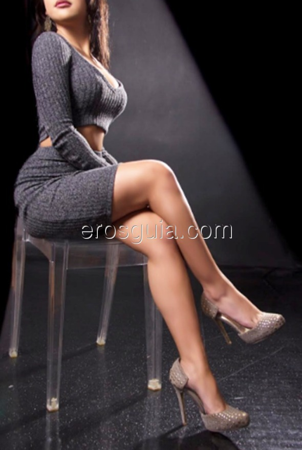 Among my services you'll find french kisses, bareback blowjobs, massages,...