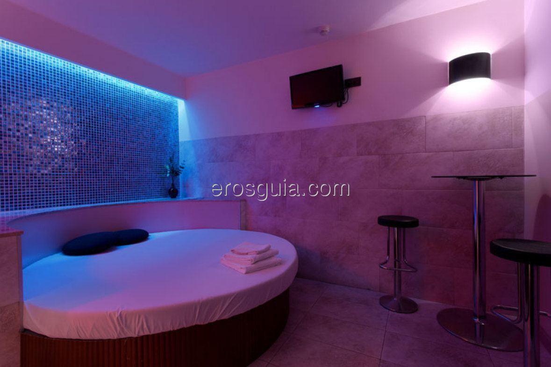 Luxtal es el espacio confortable, de lujo y discreción donde podrá...