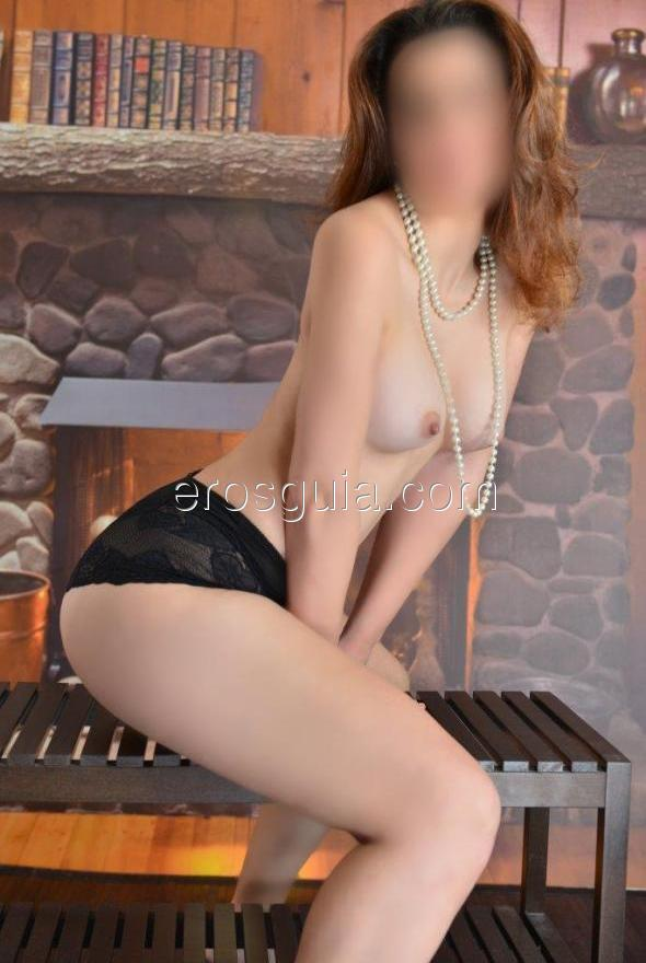Captivating and sensual, deep eyes and soft hands to give you an experience...