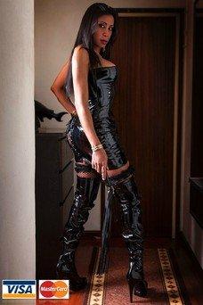 Brenda Kyss, Travesti en Barcelona